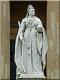 SO8455 : Queen Victoria Silver Jubilee statue in Worcester by Roger  Kidd