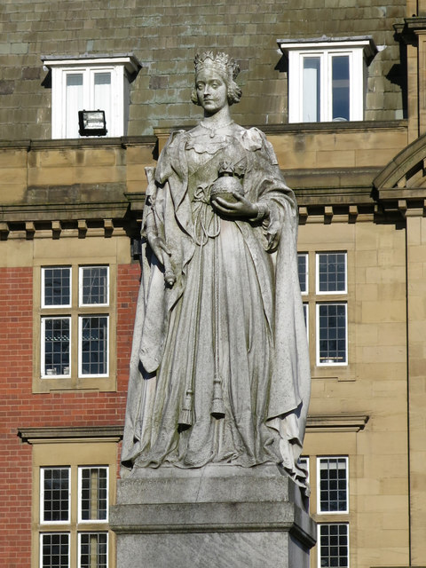 Statue of Queen Victoria in front of the Royal Victoria Infirmary Administration Block
