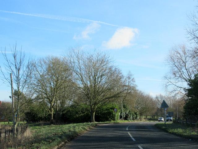 Doverdale Lane Approaching A442 Kidderminster Road
