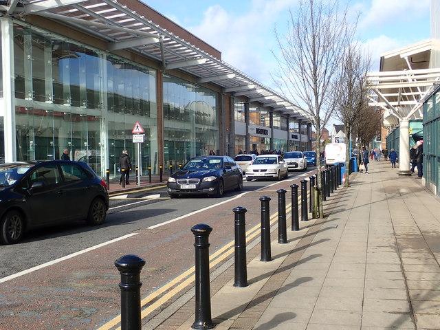 Mot Centre Newry >> Main Service Road At The Quays Shopping C Eric Jones Cc By Sa 2 0