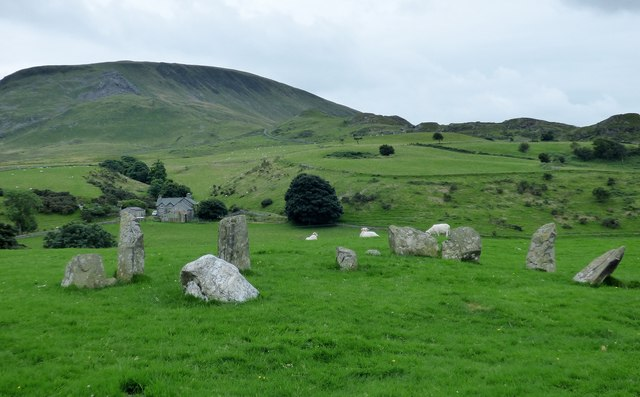 Arthog stone row and kerbed cairn
