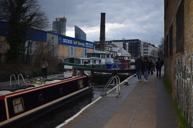Sturt's Lock, Regent's Canal