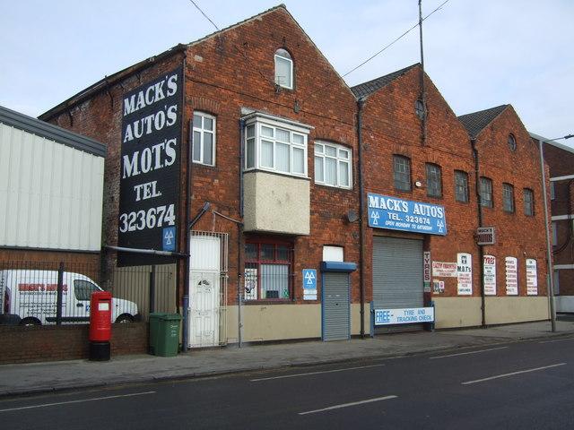 Mack's Autos, Hull