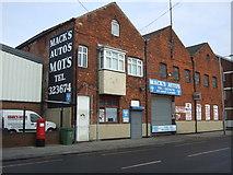 TA0827 : Mack's Autos, Hull by JThomas