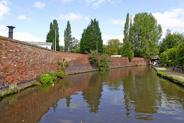 Canal in Kidderminster centre, Worcestershire