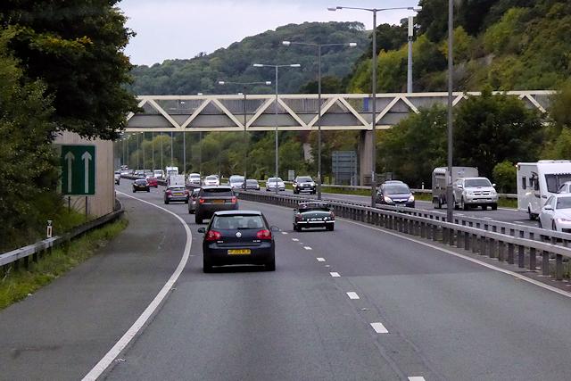 Footbridge over the A55 near Llandrillo-yn-Rhôs