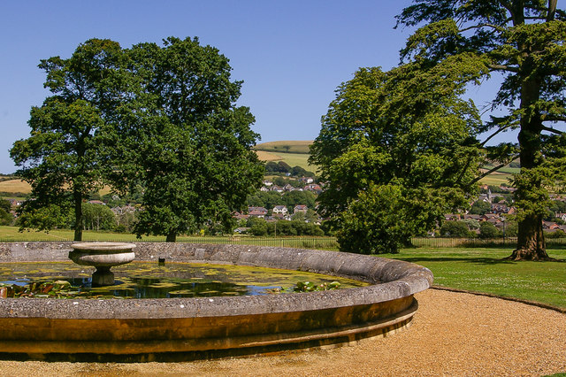 Fountain basin, Appuldurcombe House
