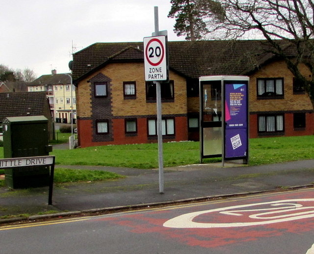 Whittle Drive telecoms cabinet and phonebox, Malpas, Newport