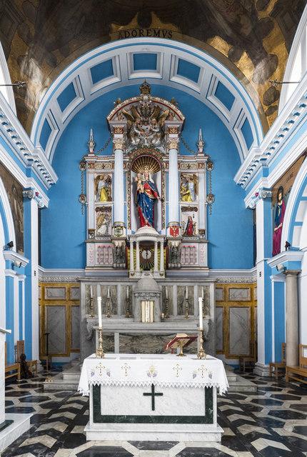 St Pius X, St Charles Square - Sanctuary