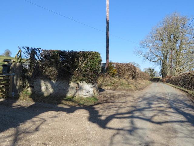 Unclassified road north of Llanarmon yn Iâl