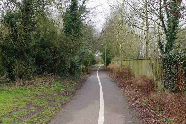 Footpath & cycleway to Deer Park Road, Witney, Oxon