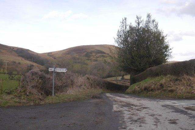 Road junction, Llanbwchllyn