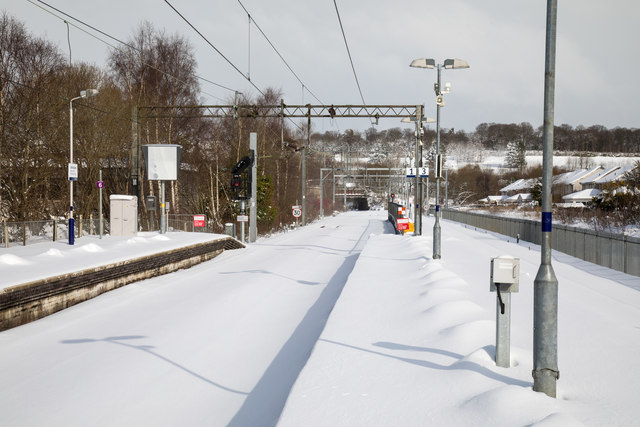 Snow covered platforms at Anniesland railway station