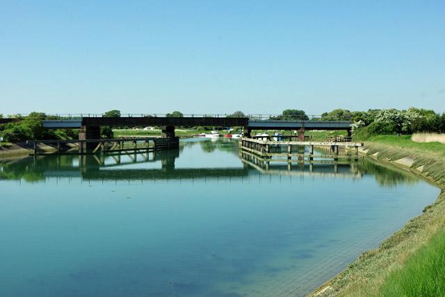 Arun railway bridge, Ford