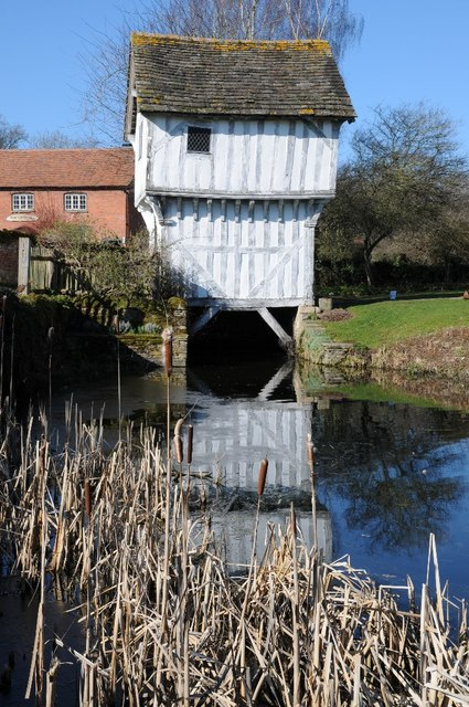 Timber gatehouse, Lower Brockhampton