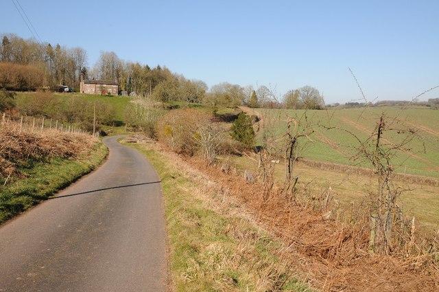 Farm drive and cotttage on Bromyard Downs