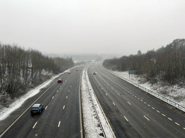 M23 south of Worth Way bridge