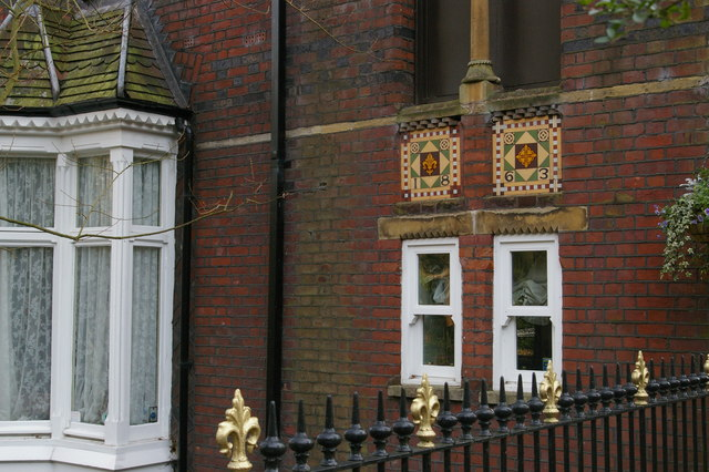 Victorian detailing, Peterborough Road, Harrow-on-the-Hill