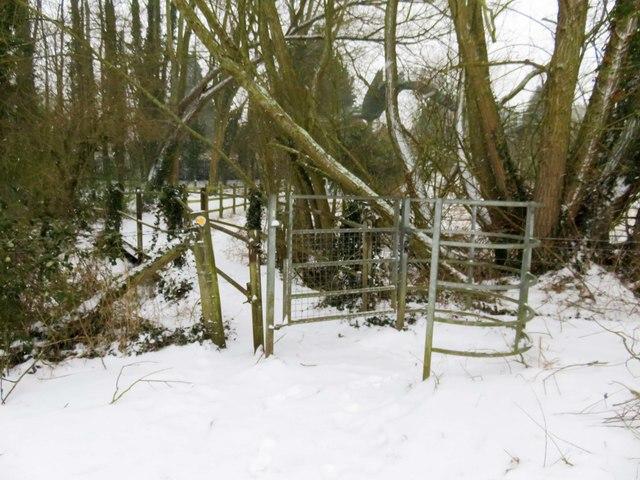 Kissing gate to the Kennington