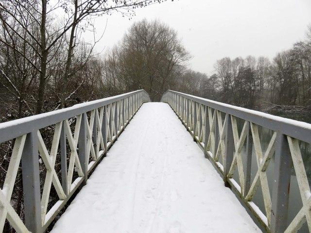Footbridge over Hinksey Stream