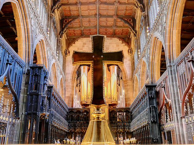 Cross and Quire, Manchester Cathedral
