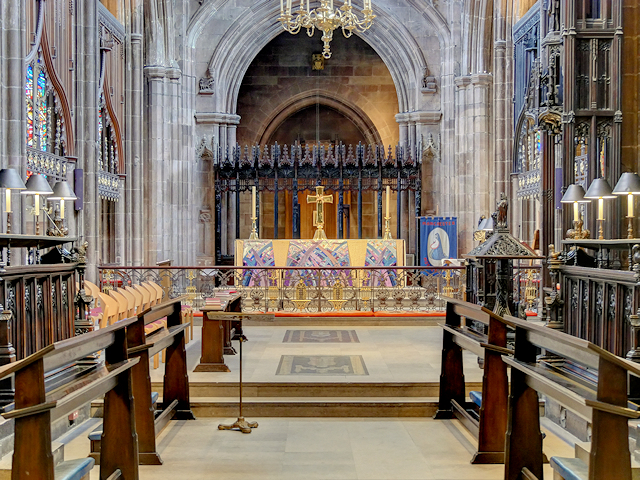 Manchester Cathedral, Chancel and Altar