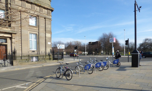 Nextbike Glasgow cycle hire point: Glasgow Green - Saltmarket / Clyde Place