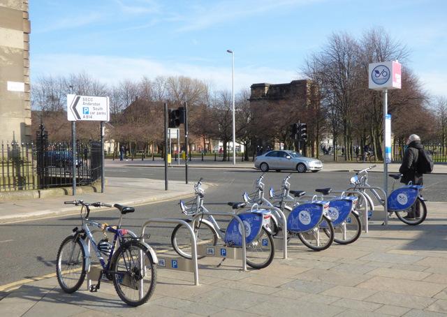Nextbike Glasgow cycle hire point: Glasgow Green - Saltmarket / Clyde Street
