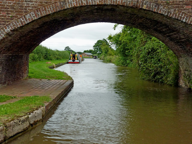 Canal east of Streethay in Staffordshire