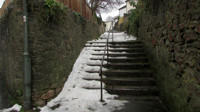 Snow on steps from Chatto Road