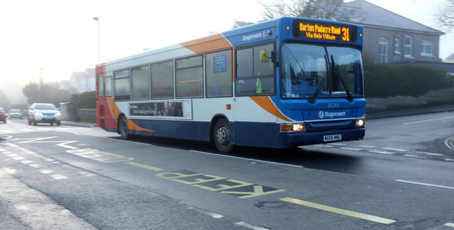 Number 31 bus on Cricketfield Road