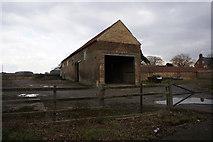 TA0912 : Barn at Croxton by Ian S