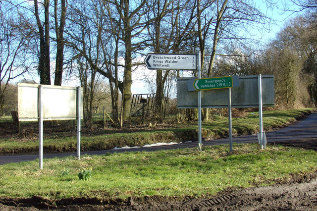 Roadsigns on Chiltern Green Road