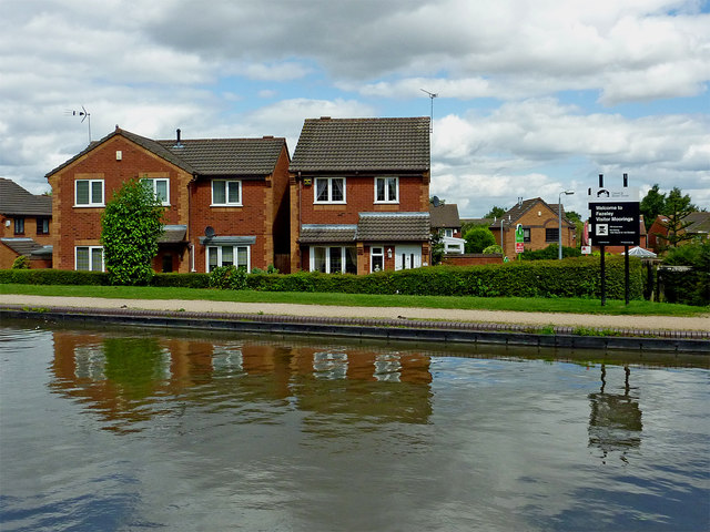 Canalside housing near Fazeley Junction in Staffordshire