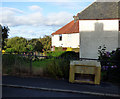 NS2675 : Grit bin on Nimmo Street by Thomas Nugent