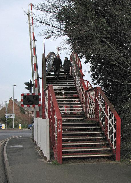 Oakham: over the footbridge
