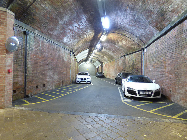 Car parking in the Dark Arches