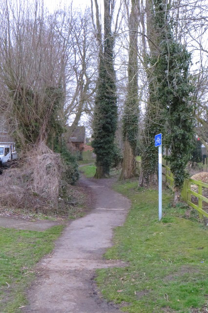 Path towards the town centre