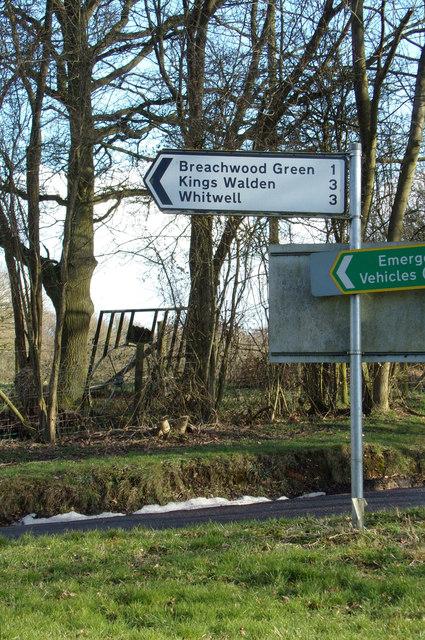 Roadsign on Chiltern Green Road