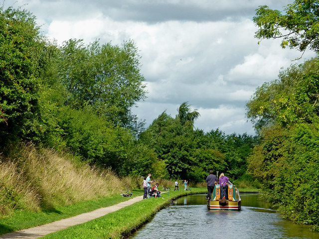 Coventry Canal near Kettlebrook in Staffordshire