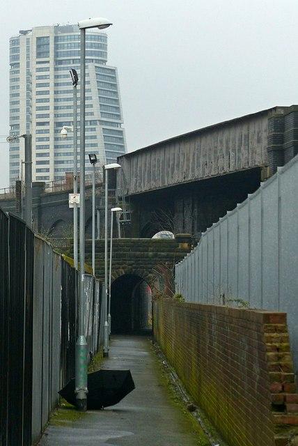 Footpath off Bridge Road