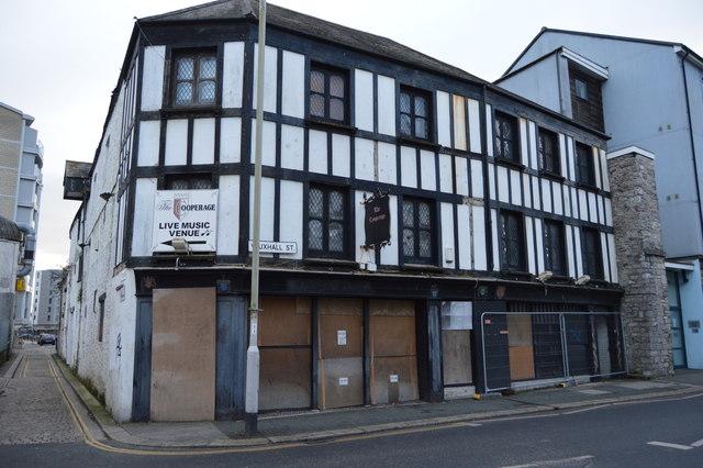 Derelict building, Vauxhall St