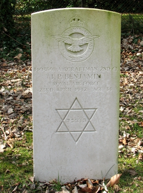 Commonwealth war grave in the Jewish section