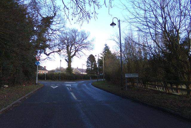 Entering Todds Green on Stevenage Road