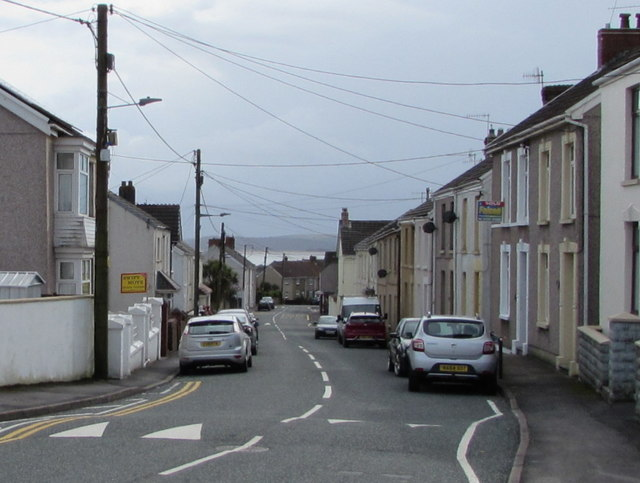 Wires over Stepney Road, Burry Port