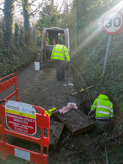 Installing fibre optic cable in Whites Hill