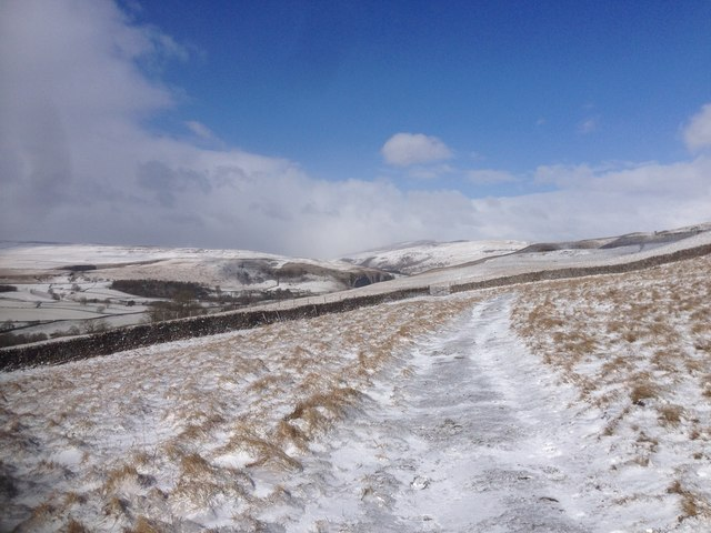 Cold morning above Conistone