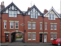 SU0061 : 14-16 Bridewell Street, Devizes by Robin Webster