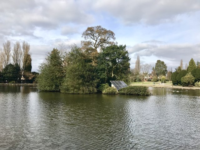 Lake island in Queen's Park, Longton