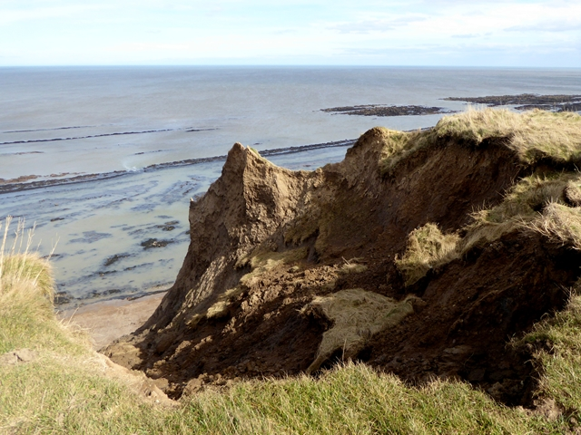 Erosion on Gristhorpe Cliff